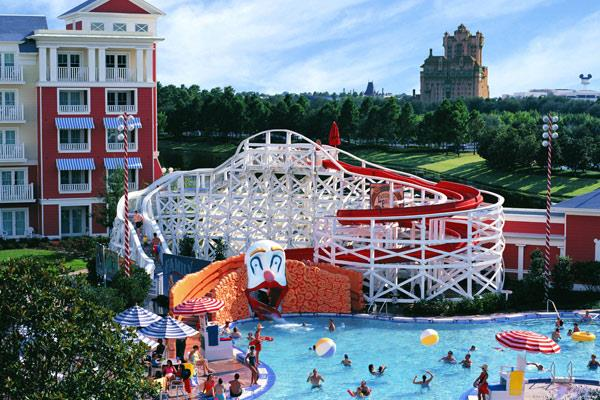 If You Have A Large Family Vacations Can Get Expensive Really Fast Between Feeding Everyone Ing Theme Park Tickets Etc It S Easy To Think That
